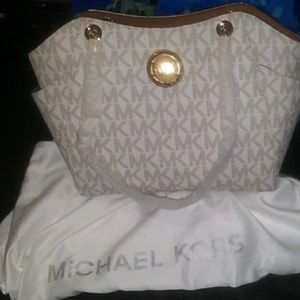 Michael Kors LG chain shoulder tote